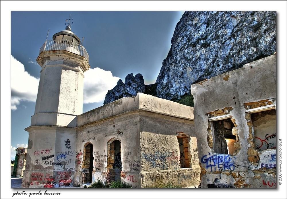 Il vecchio faro di Capo Zafferano