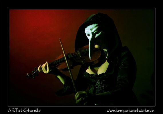 il violinista con la maschera