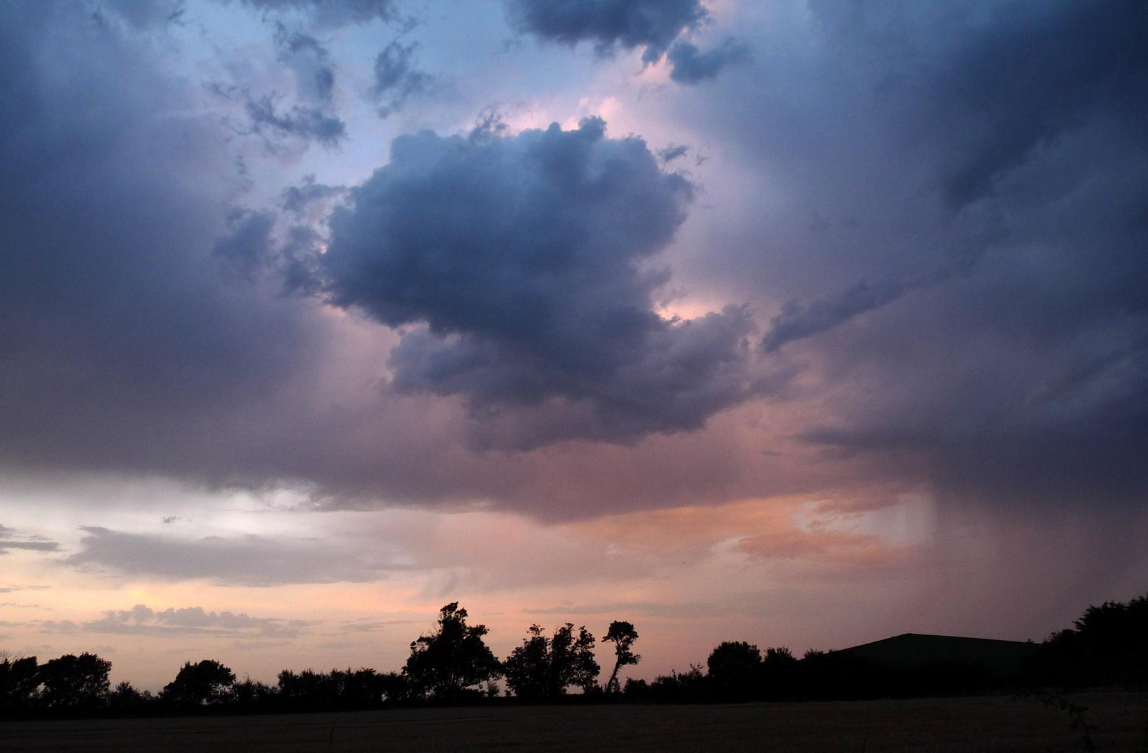 """""""Il y a de l'orage dans l'air."""""""