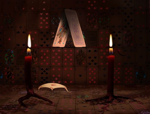 Illusion im Kartenhaus