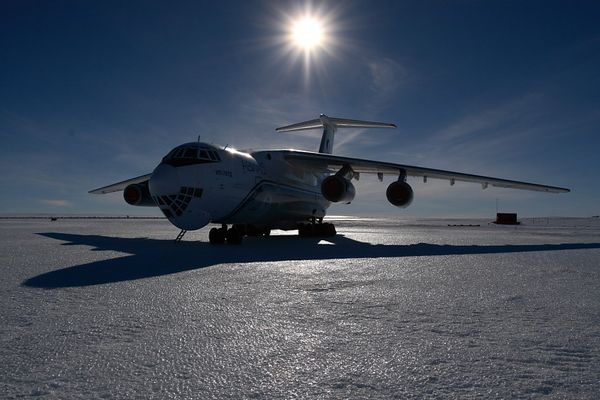 Ilyushin 76 in der Antarktis