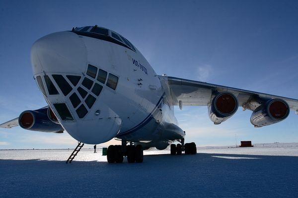 Ilyushin 76 in der Antarktis II