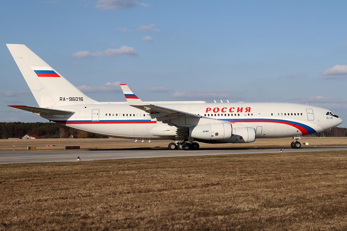 Ilyushin 96 + Putin