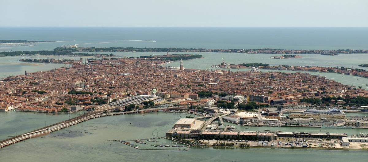 ~ Im Anflug auf Venedig ~