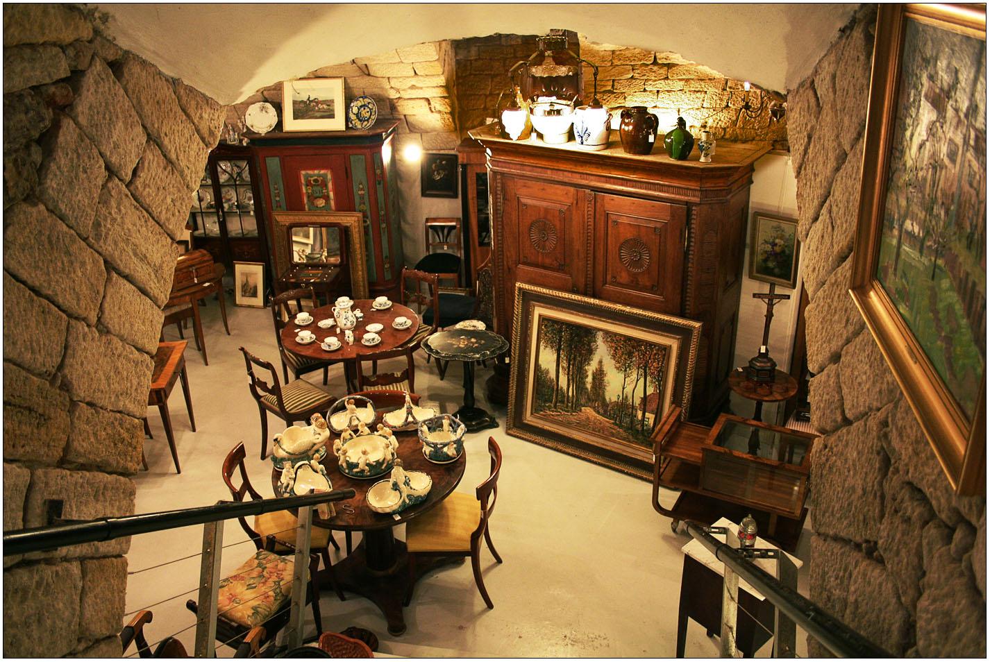 Im Antiquitätenladen.