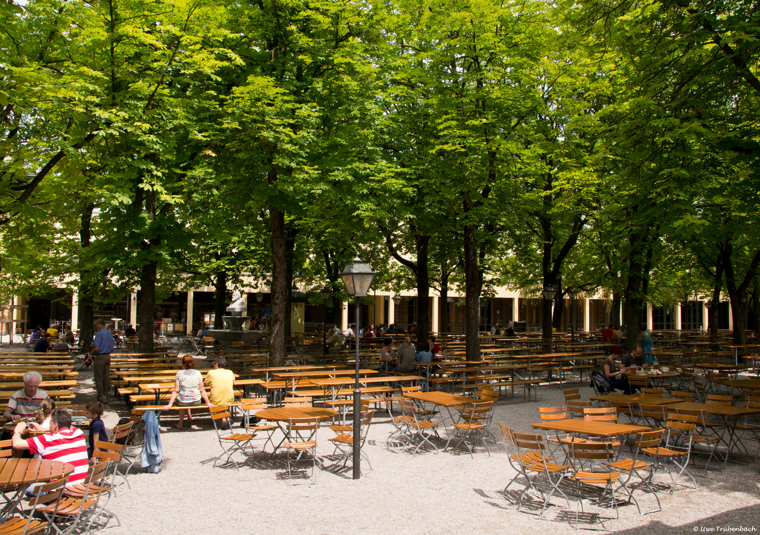 Im Biergarten am Nockherberg (1)