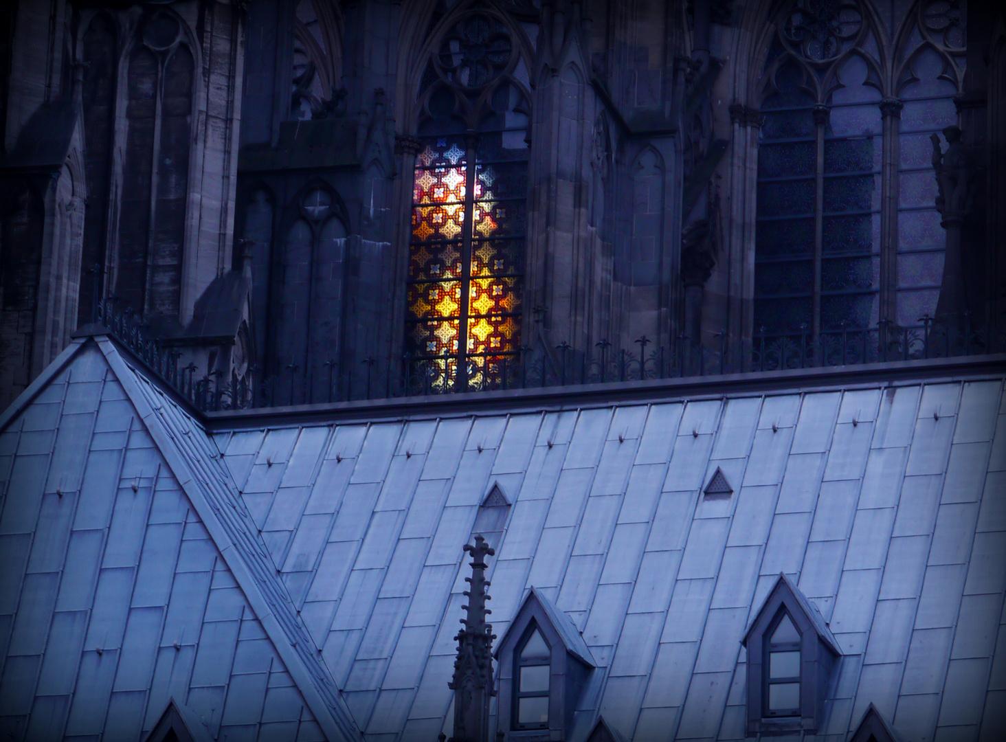 Im Dom brennt noch Licht...