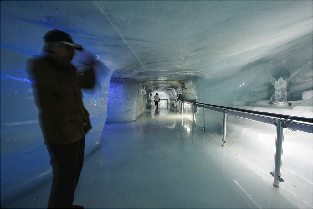 Im Eispalast (2)