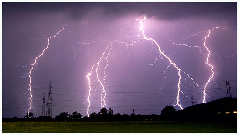 Im Feld der Blitze