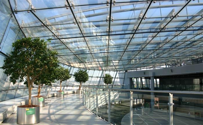 Im Flughafen Düsseldorf