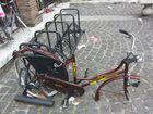 Im Fundament gesicherter Fahrradständer