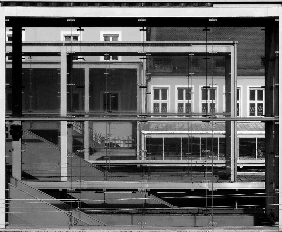 Im Glashaus ..