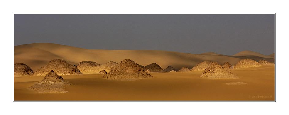 Im Grossen Sandmeer - Schattenspiele