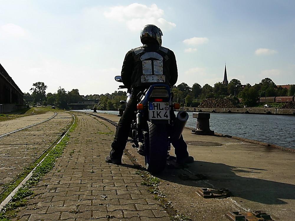 Im Hafen mit der ZRX 1200 S