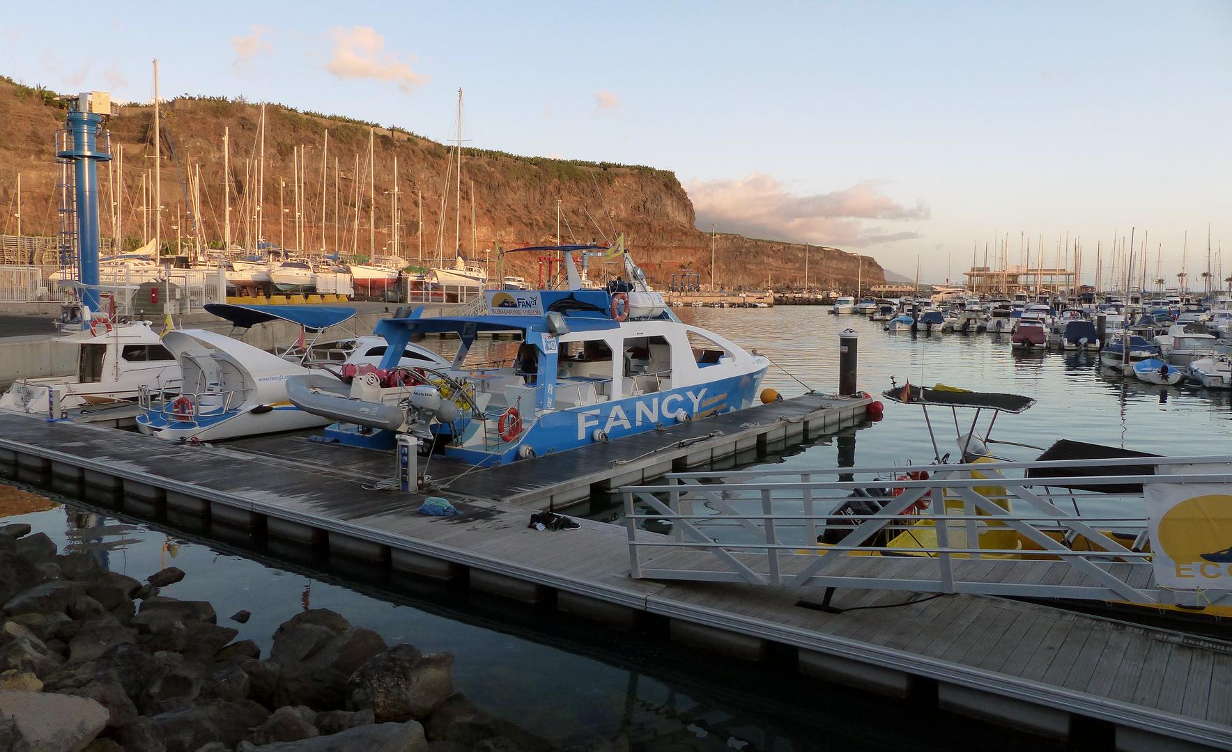 Im Hafen - Puerto Tazacorte