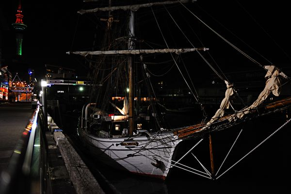 im Hafen von Auckland (D3x)