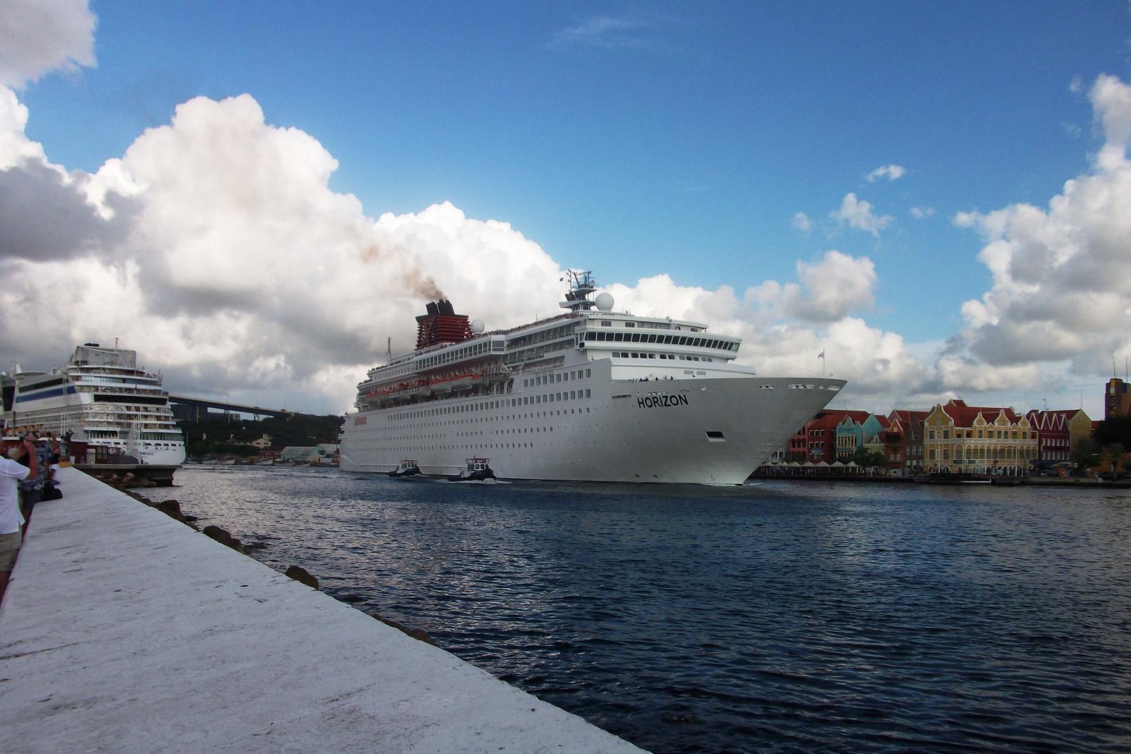 im Hafen von Curacao