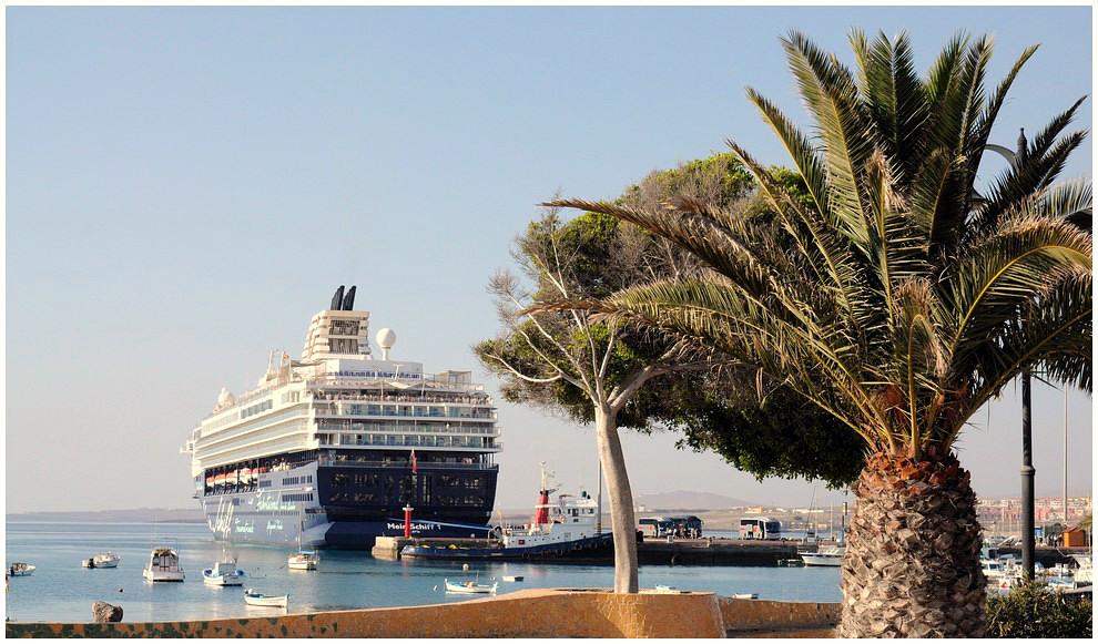 Im hafen von puerto del rosario foto bild europe canary islands die kanaren spain bilder - Pension puerto del rosario ...