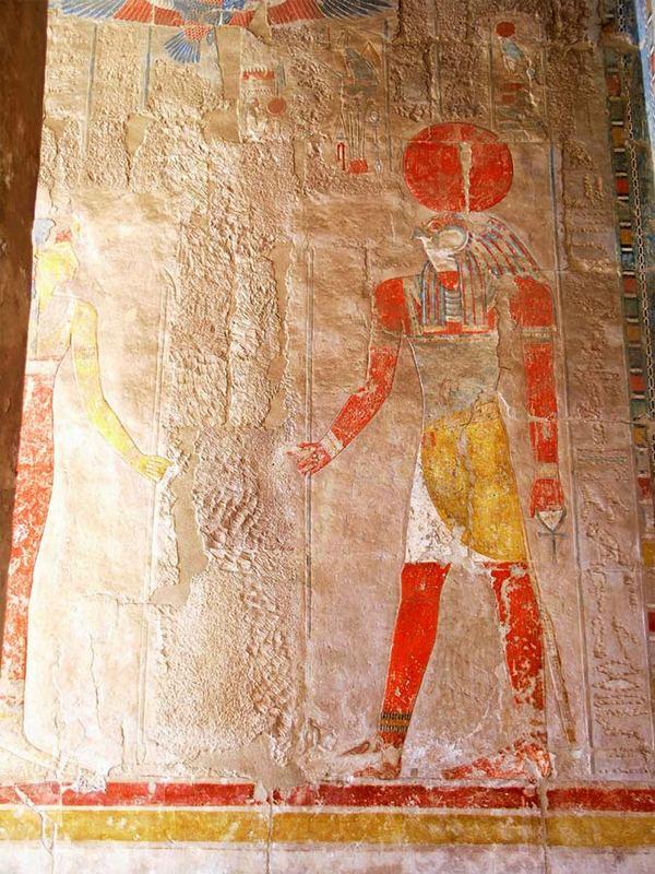 . . . im Hatschepsut Tempel . .