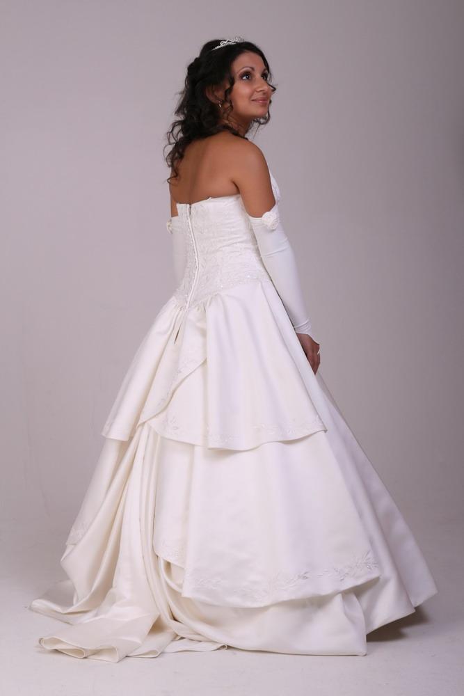 Im Hochzeitskleid II