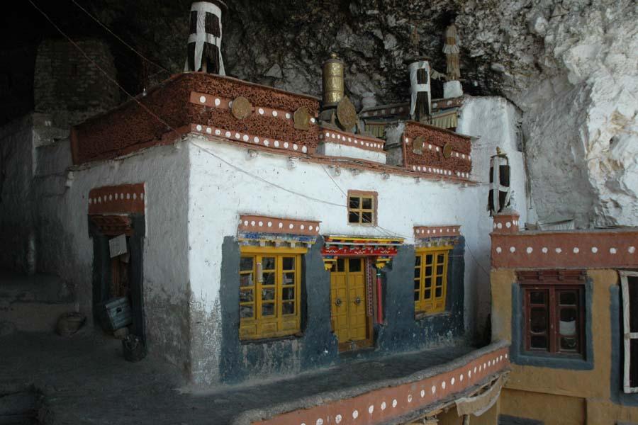 Im Höhlenkloster
