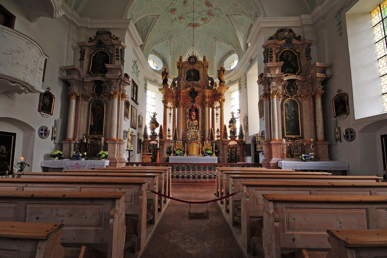 Im Inneren der Wallfahrtskirche Maria Heimsuchung