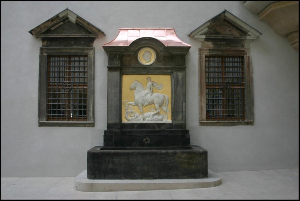 Im kleinen Schlosshof - VIII
