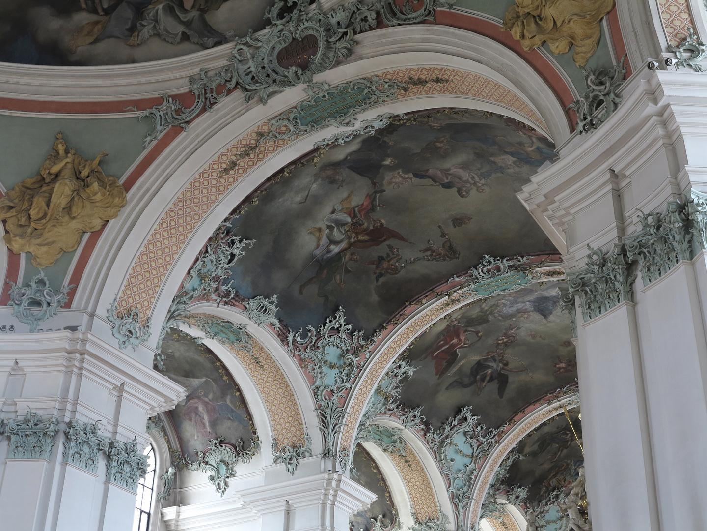 im Kloster St. Gallen... dekorative Bögen