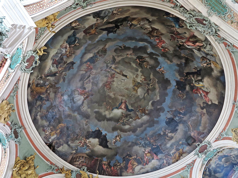 Im Kloster St. Gallen mit liegender Kamera...