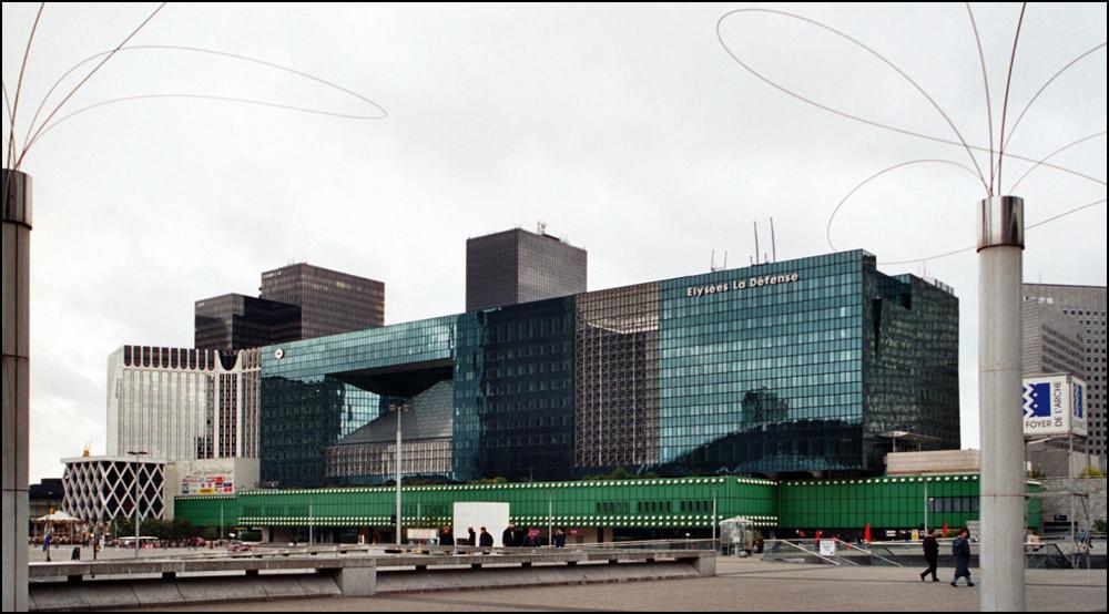 """... im """" La Défense """" - Viertel ( 1 )"""