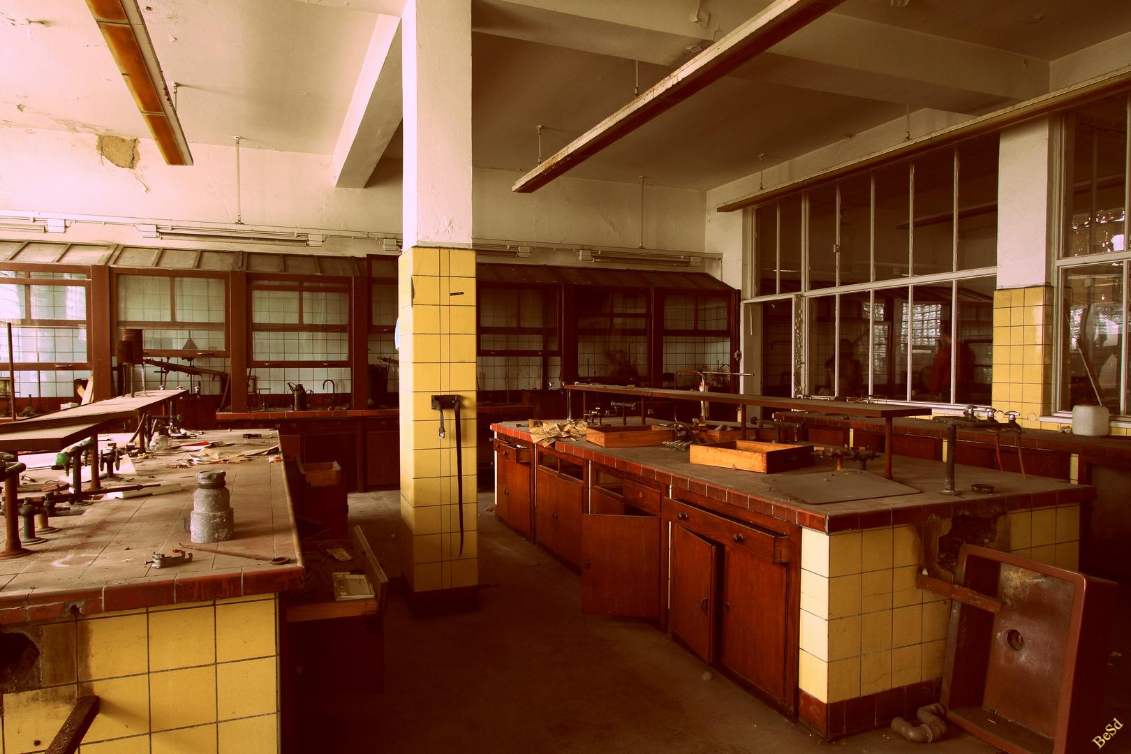 im Labor der sechziger Jahre.....