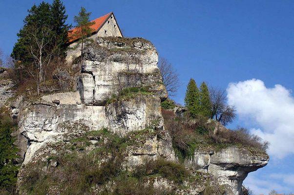 Im Land der Felsen und Burgen