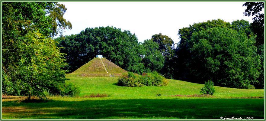 Im Land der Pyramiden  ..