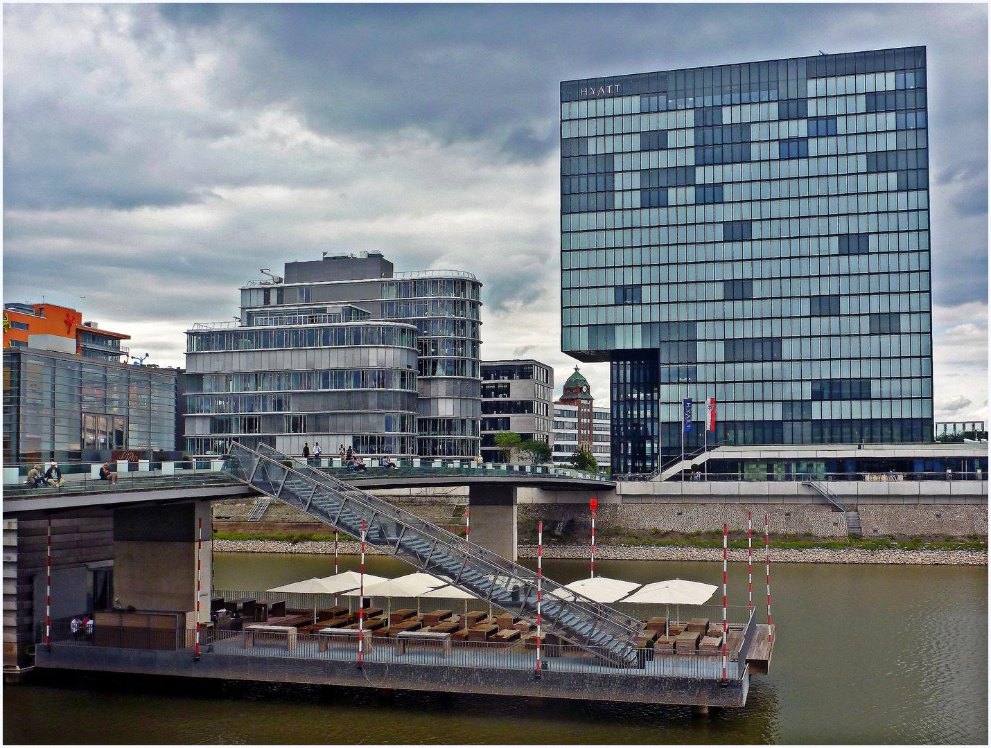 Im Medienhafen Düsseldorf
