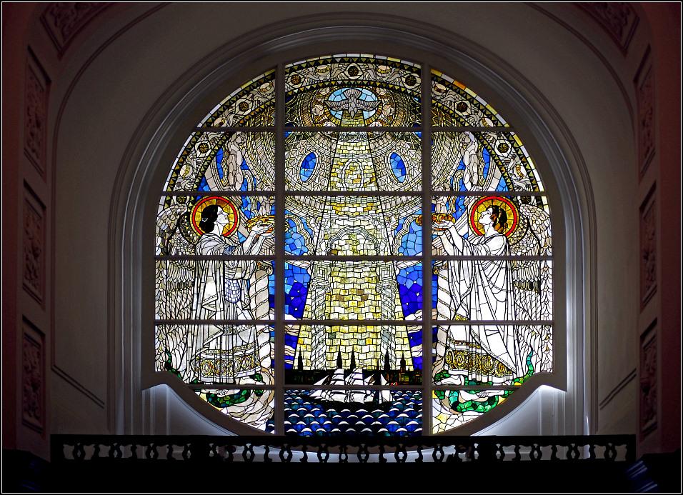 Im Michel - Fenster Hauptportal