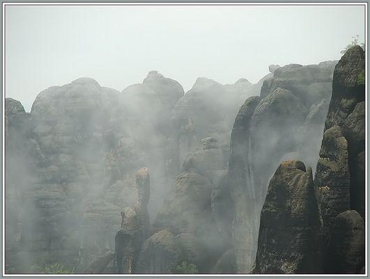 Im Nebelgebirge