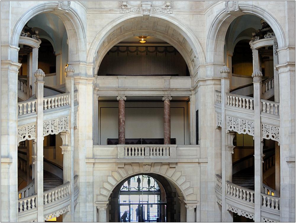 ... im Neuen Rathaus ...