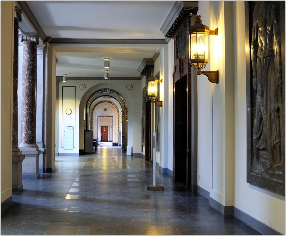 ... im Neuen Rathaus wird gearbeitet ...