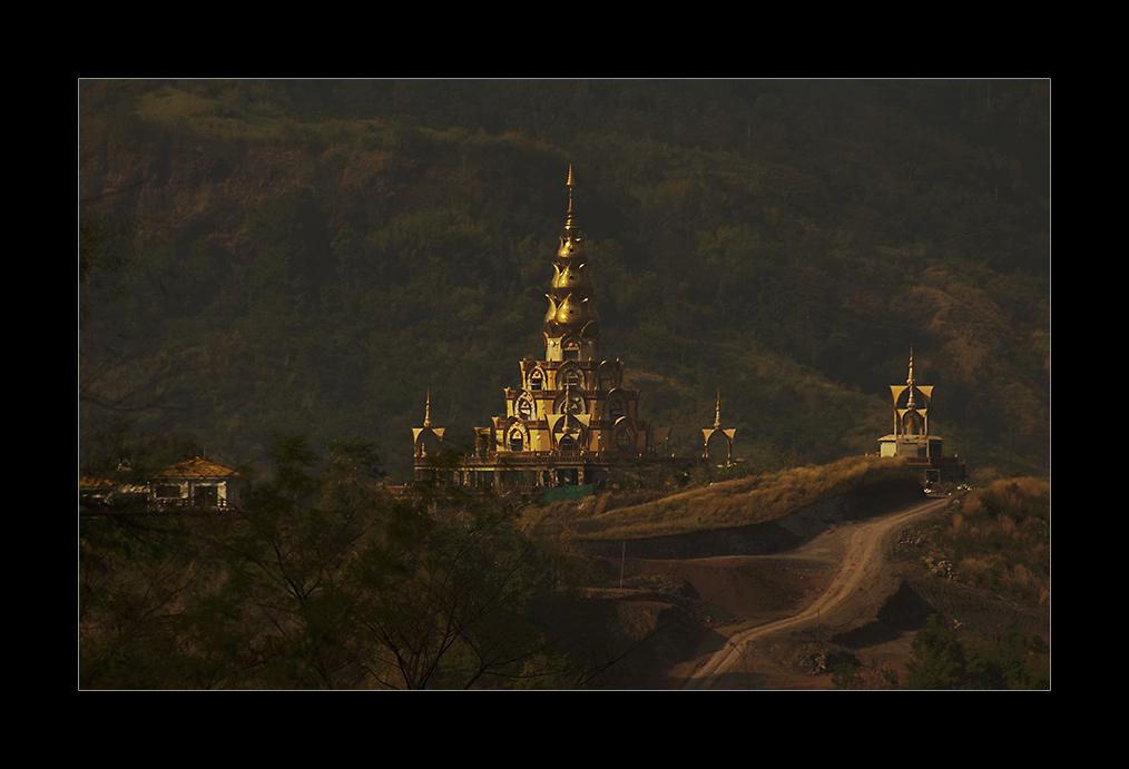 Im Phetchabungebirge