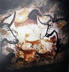Im Saal der Stiere in den Höhlen von Lascaux