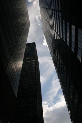 Im Schatten der Wolkenkratzer