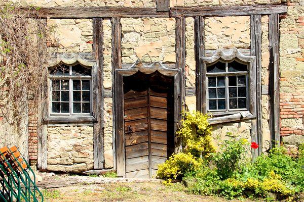 * Im Schlosshof *