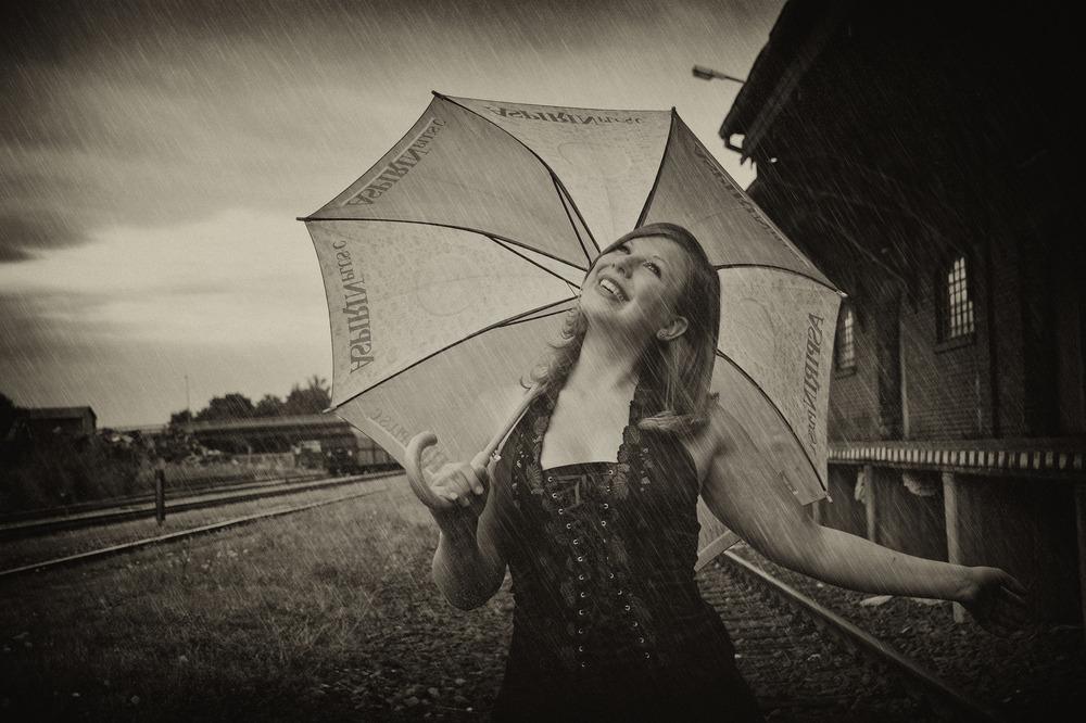 I`m singing in the rain.........