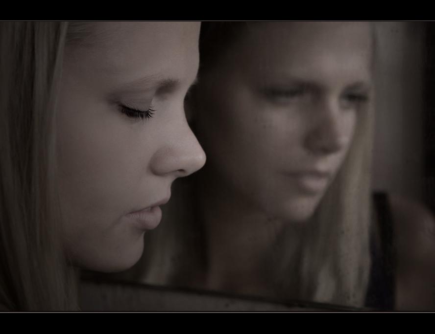 ... im Spiegel ist die Welt verkehrt ...