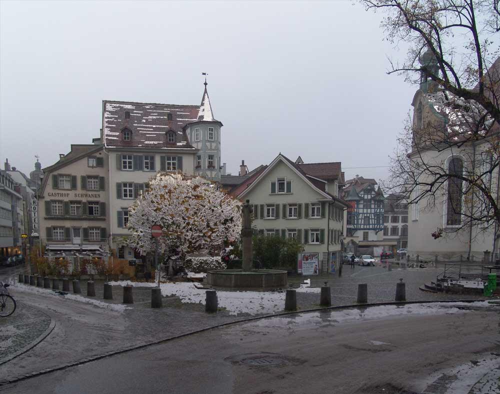 Im St. Galler Klosterviertel hat es merkwürdig geschneit...