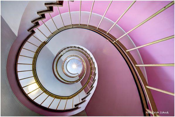 im Treppenhaus - Blick nach oben