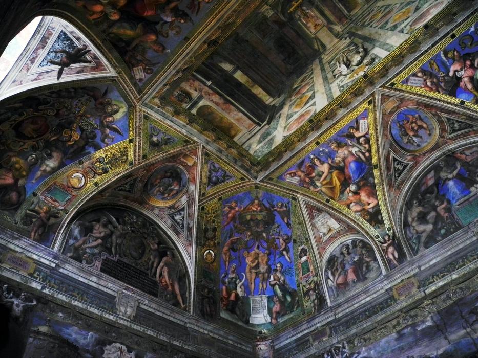 im Vatikanischen Museum, die Decke ist von Raffael