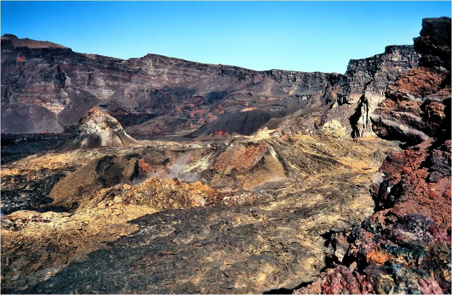 Im Vulkan - die Farben der Lava