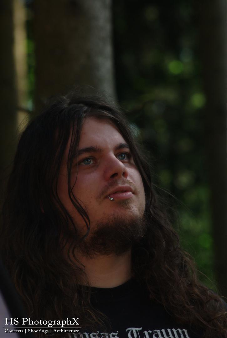 Im Walde steht...