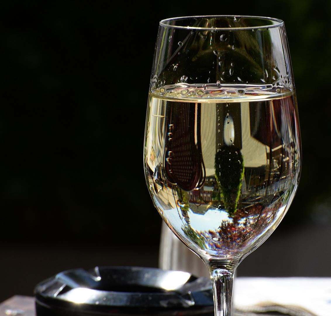 Im Wein liegt nicht nur Wahrheit....